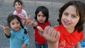 30 de copii români, salvați de Europol.