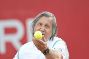 Meci demonstrativ Ilie Năstase-Andrei Pavel. (foto: agerpres)
