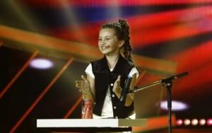 """Next Star, 16 septembrie: """"Fetița cu paharele"""", Diandra, a obținut cea mai mare notǎ (foto;mondonews.com)"""