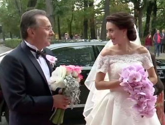 Primarul Gheorghe Nichita şi-a măritat fata.