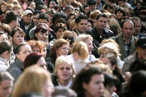 Sondaj INSCOP: Care sunt instituțiile ȋn care romȃnii au cea mai mare ȋncredere (foto:buzznews.ro)