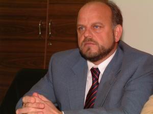 DNA: Primarul din Rǎdǎuți, Aurel Olǎrean, reținut pentru șantaj (foto:monitorulsv.ro)