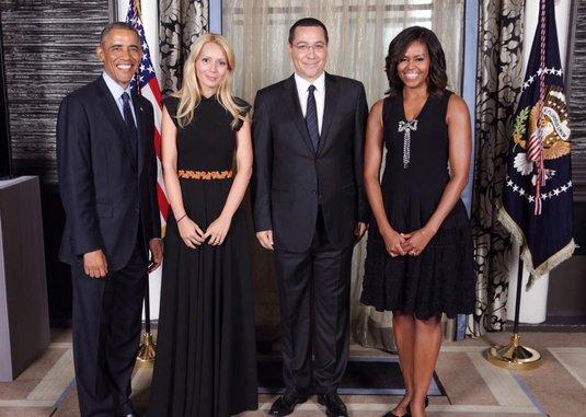 Victor Ponta și soția sa, alături de familia Obama.