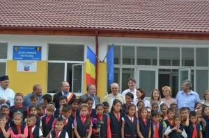 Școală ridicată de Chevron la Păltiniș.
