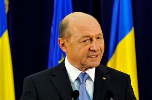 Traian Băsescu cere demiterea generalului maior Mrcea Olaru, şefului Jandarmeriei