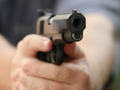 Doi români au fost împuşcaţi în Spania.