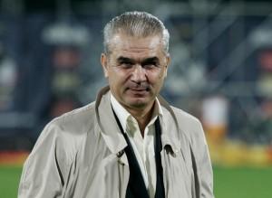 Anghel Iordănescu este noul selecționer al naționalei.