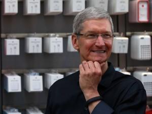 Tim Cook, CEO-ul Apple, a recunoscut că e homosexual.
