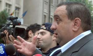 Generalul Dumitru Iliescu, fostul şef al SPP, săltat de procurorii DNA
