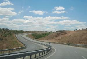 Drumuri expres, în loc de autostrăzi.