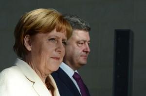 Discuție telefonicǎ Merkel – Poroșenko privind criza din Ucraina (foto:inform.kz)