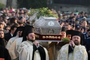 Sfȃnta Parascheva – Mii de credincioși s-au adunat la Iași (foto:observatoruldebacau.ro)
