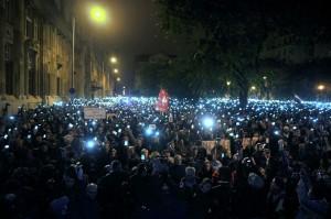 Ungaria. Mii de persoane au protestat fațǎ de taxa pe Internet (foto:picturesdotnews.com)