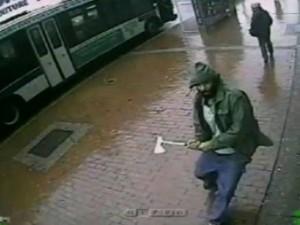 New York: 4 polițiști, atacați cu toporul de un jihadist