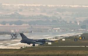 SUA va folosi baze militare ale Turciei ȋn lupta ȋmpotriva SI (foto:voanews.com)