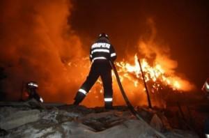 "Incendiu la Mănăstirea ""Vovidenia"" din Tulcea (foto:spynews.ro)"