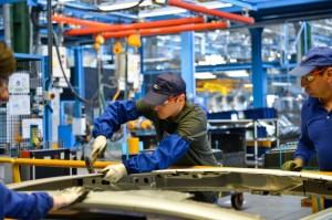 Ford renunţă la 680 de angajaţi de la Craiova.