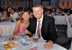 Petrecere la locuinţa soţilor Iohannis din Sibiu
