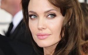 Angelina Jolie renunţă la actorie.