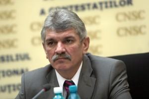 Directorul STS, Marcel Opriş, decorat de Traian Băsescu.