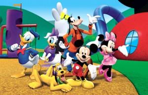 Mickey Mouse şi prietenii săi vin în România.