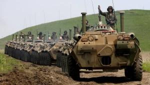 Kiev: Tancuri şi trupe ruseşti au intrat în estul Ucrainei.