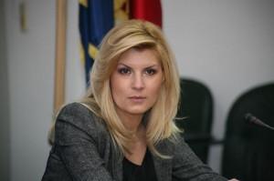Revista Presei. Elena Udrea s-ar apropia de clipe de coşmar (foto:imobiliare.ro)