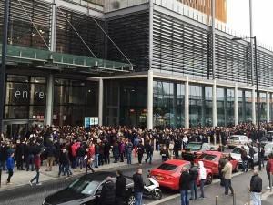 Coada la sectia de votare din Londra