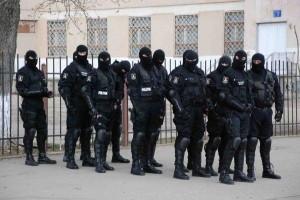 Percheziții în mai multe județe și București vizând livări de medicamente