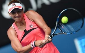 Irina Begu a luat bătaie în trei seturi de la Bouchard la Australian Open