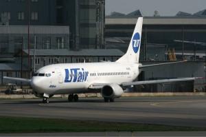 UTair_Boeing_737-400_Ates