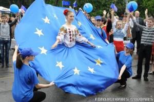 ziua-europei-sarbatorita-in-bucuresti-cu-muzica-unor-fanfare-din-scotia-italia-si-franta-