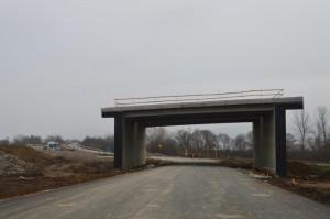 Viitorul traseu al DN 7 pe sub autostrada la nodul Ilia