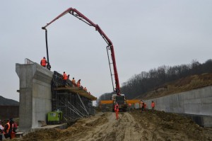 Betonare la ecoductul de la Serparie, km 86