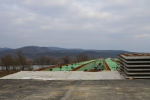 Vedere de sus a podului este Mures