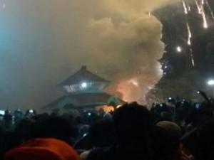 incendiu templu india
