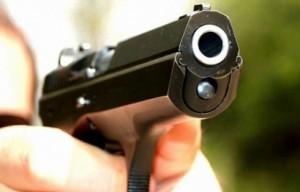 barbat impuscat rasnov pistol