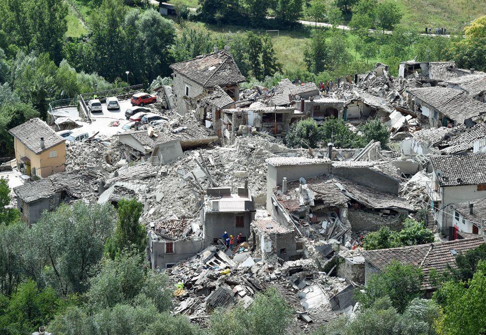 UPDATE – Efectele cutremurului din Italia. Crește numărul românilor care au murit