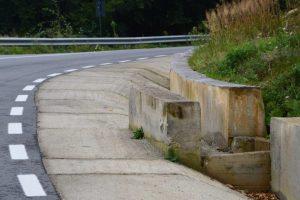 Cap de pod din beton masiv