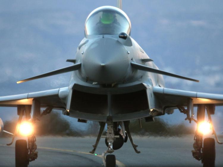 Un Typhoon de la baza Kogălniceanu a interceptat două bombardiere ruseşti