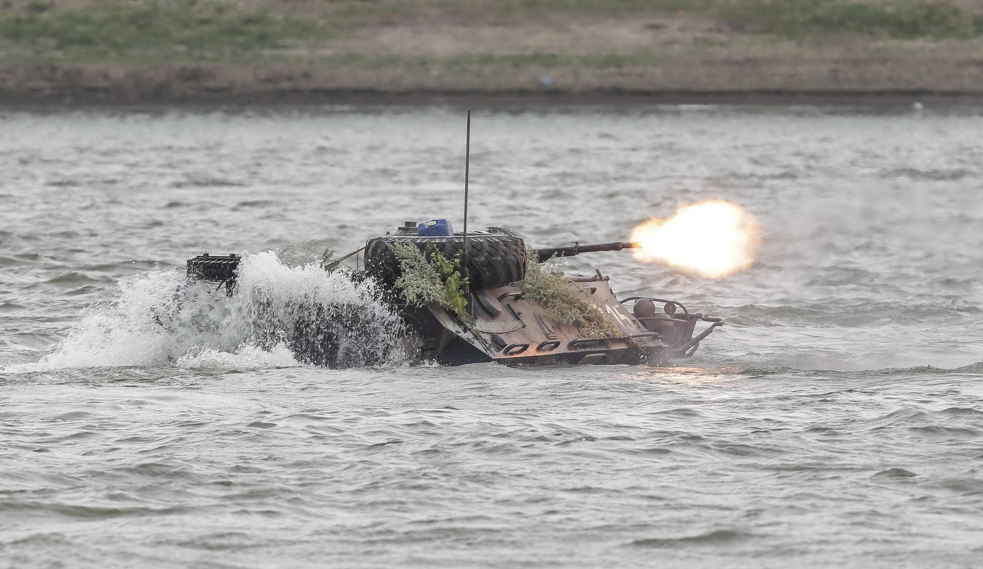 Un TAB s-a scufundat in Dunare in timpul aplicatiei Saber Guardian