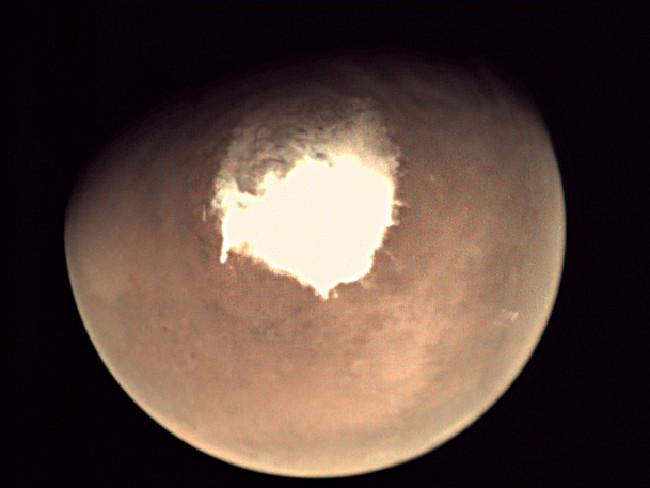 Furtuni violente de zăpadă pe Marte