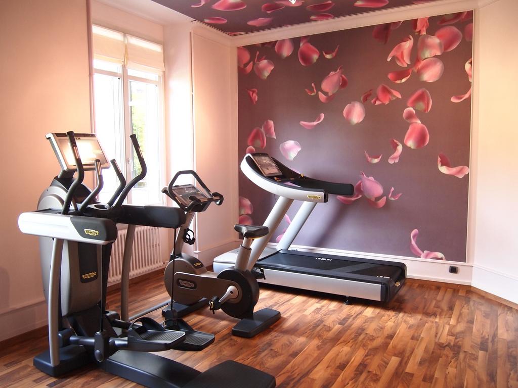Iata de ce banda de alergare este aparatul fitness perfect pentru acasa!