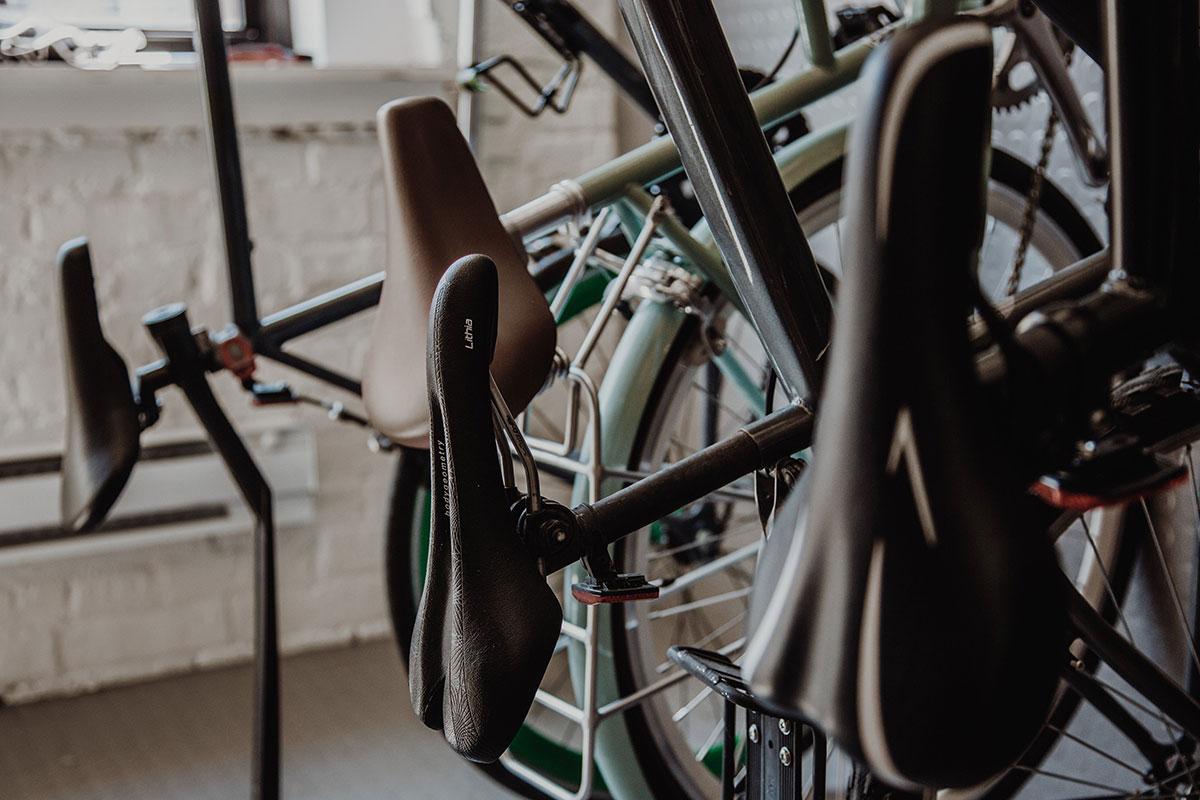 Un mic chestionar: Ce servicii ar trebui sa ofere un magazin de biciclete specializat