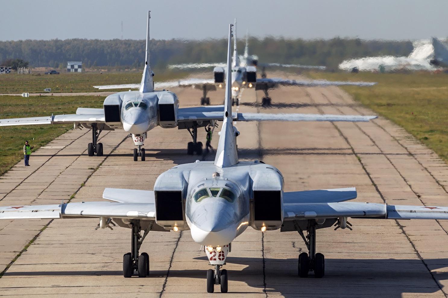 Bombardierele Tupolev din Crimeea – reacţie la sistemul balistic din România