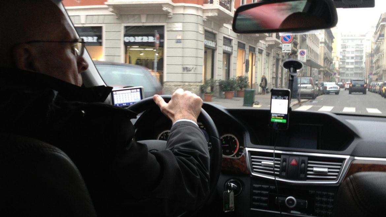 Klaus Iohannis a promulgat legea care reglementează activitățile de transport alternativ